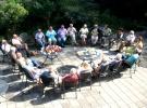 Vrijdag 23 September. Samen koffie drinken. Onderhand licht Peter de vrijwilligers in over het programma en ieders rol daarin